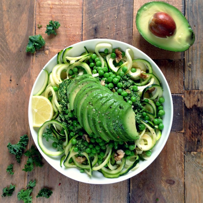 Courgette pasta with kale pesto