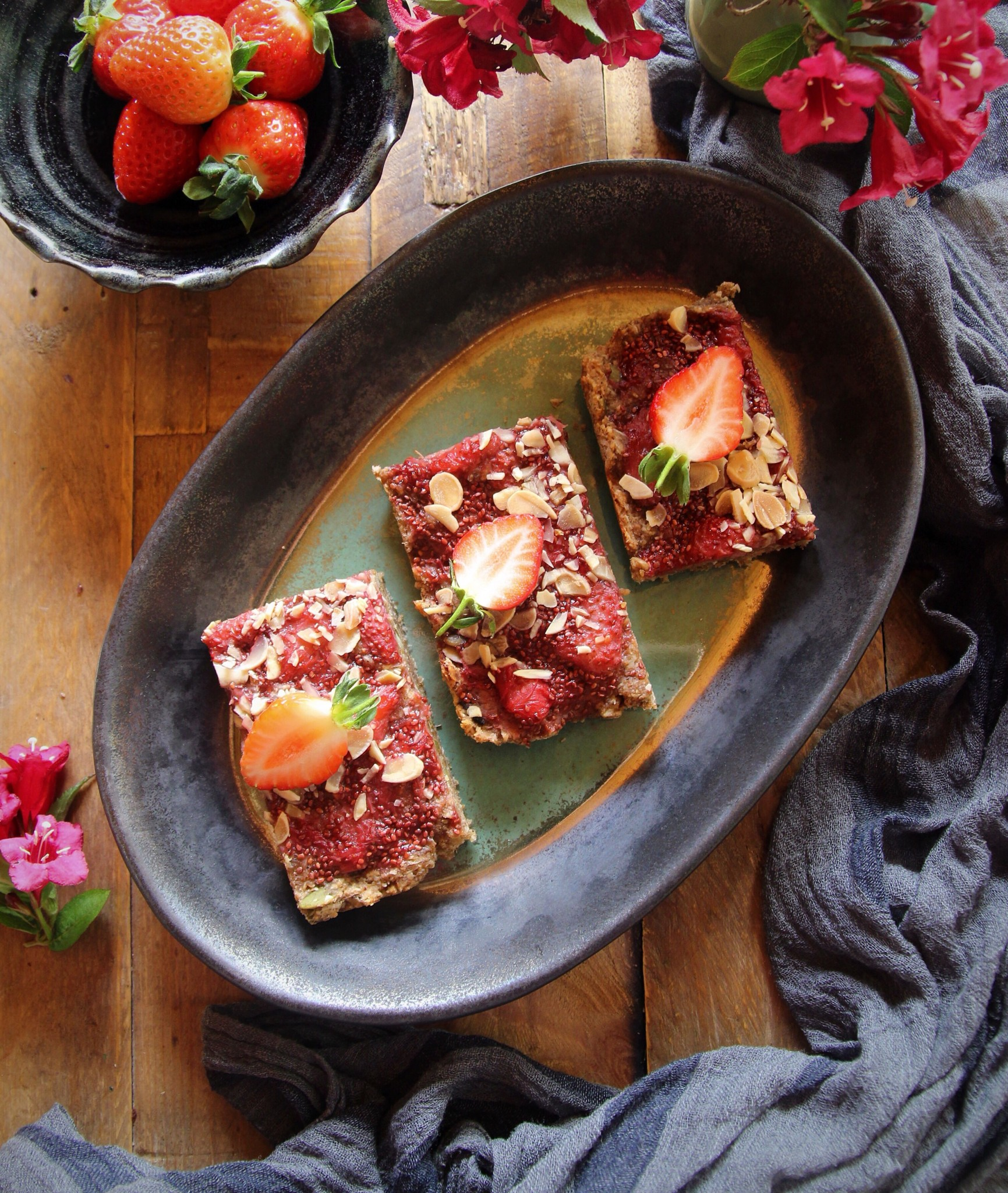 Superfood breakfast bars with strawberry chia jam for for Superfood bar