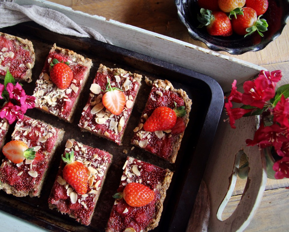 Superfood Breakfast Bars with Strawberry Chia Jam