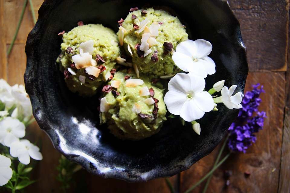 Avocado Choc Chip Ice Cream (Vegan, Raw)