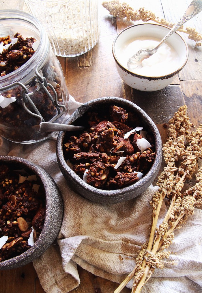 Choc, almond & banana granola (gluten and refined sugar free)
