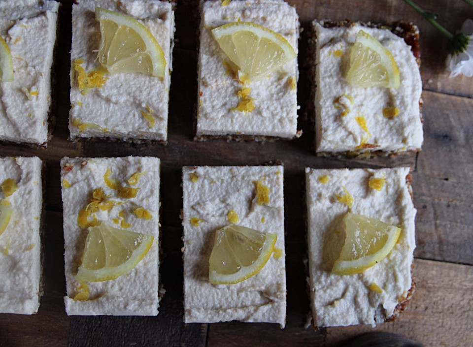 Raw lemon slices
